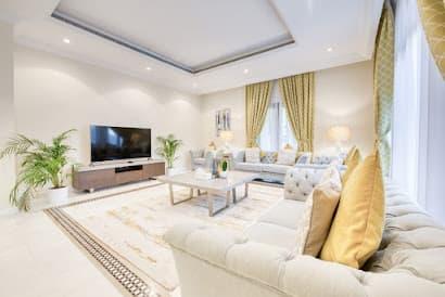 Breathtaking 7 Bedroom Villa