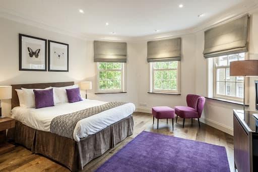 Apartment on Sloane Avenue in Chelsea