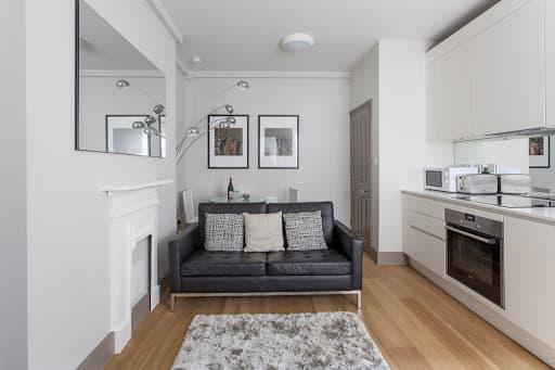 1 Bedroom Upper Floor