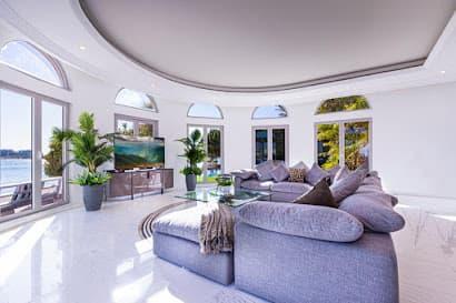 Phenomenal 7 Bedrooms Villa