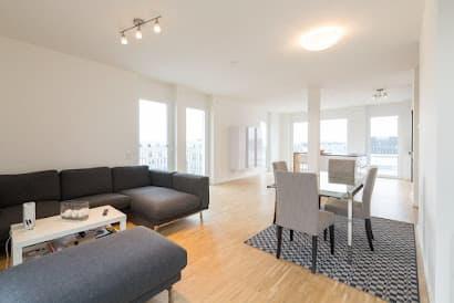 Frankfurt Modern Luxury Penthouse - Walk to Messe