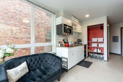 1523 E Madison Street Apartment