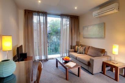 Stud Road Apartments, South Melbourne