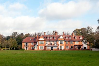 Wraysbury Hall Apartments