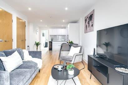 2 Bedroom Apartment Lavish Escape on Communication Row