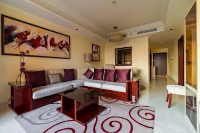 The Grandeur Residences Serviced Apartment