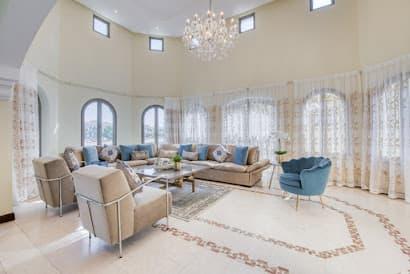 Exquisite 4 Bedrooms Villa