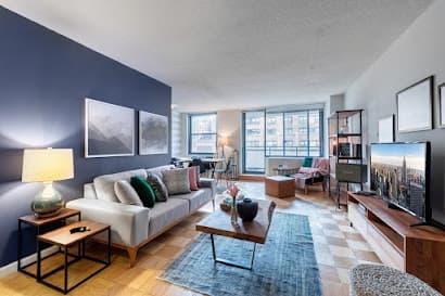 East 40th Street apartment 19F